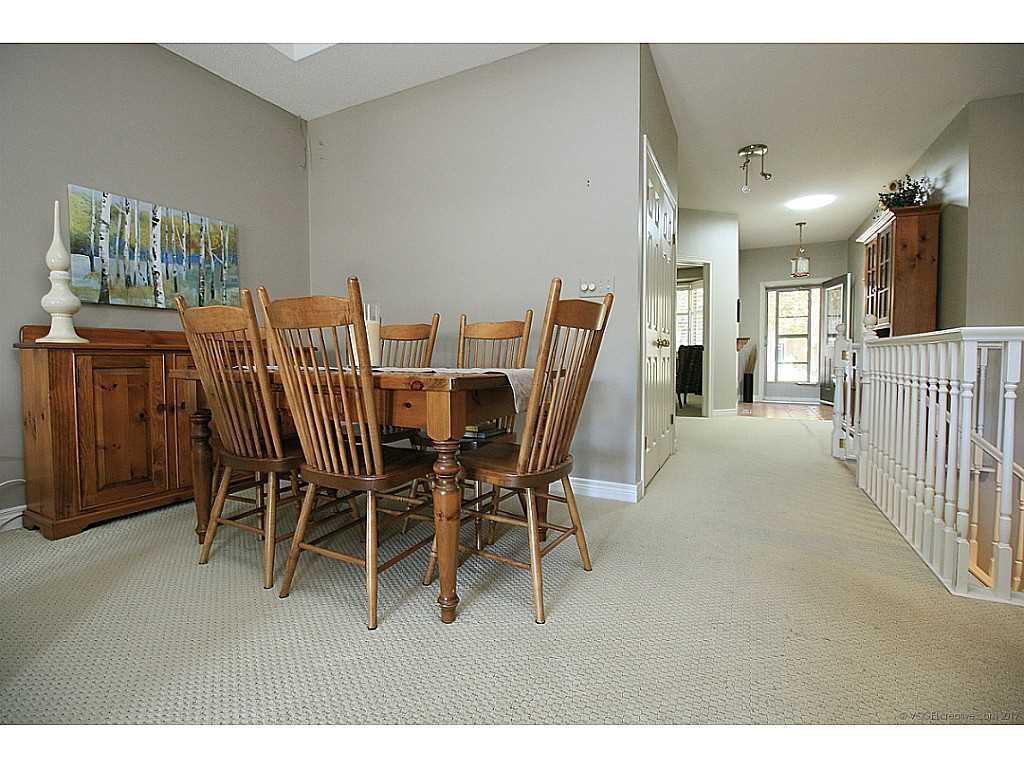 99 Muskoka Drive - Living Room.