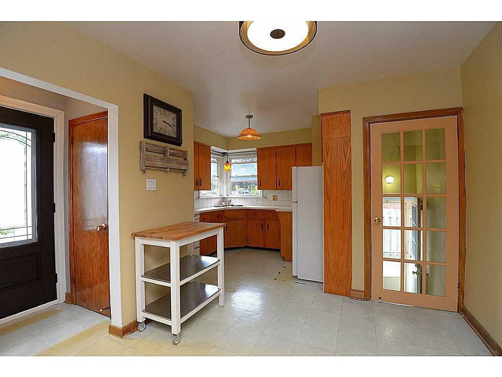 55 Burfield Avenue - Kitchen.