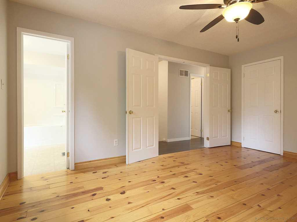 39-7 Davidson Boulevard - Master Bedroom.