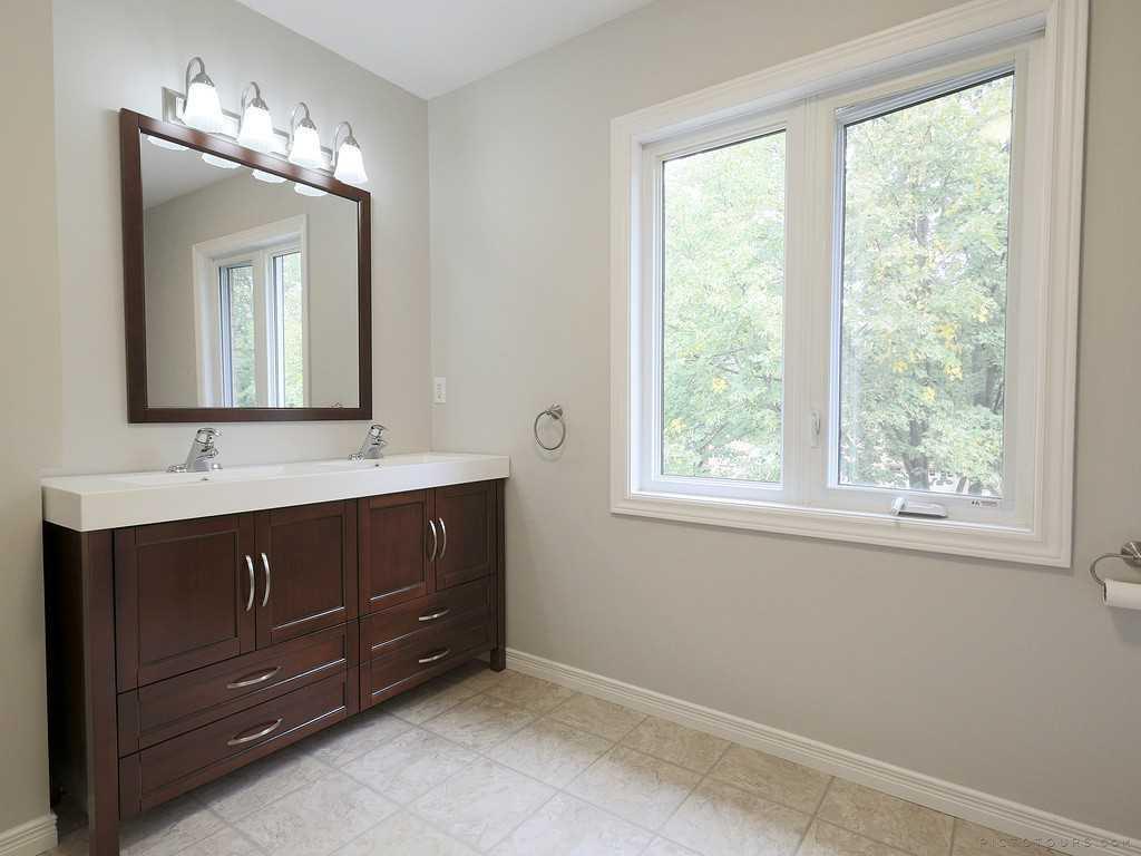 39-7 Davidson Boulevard - Bedroom.