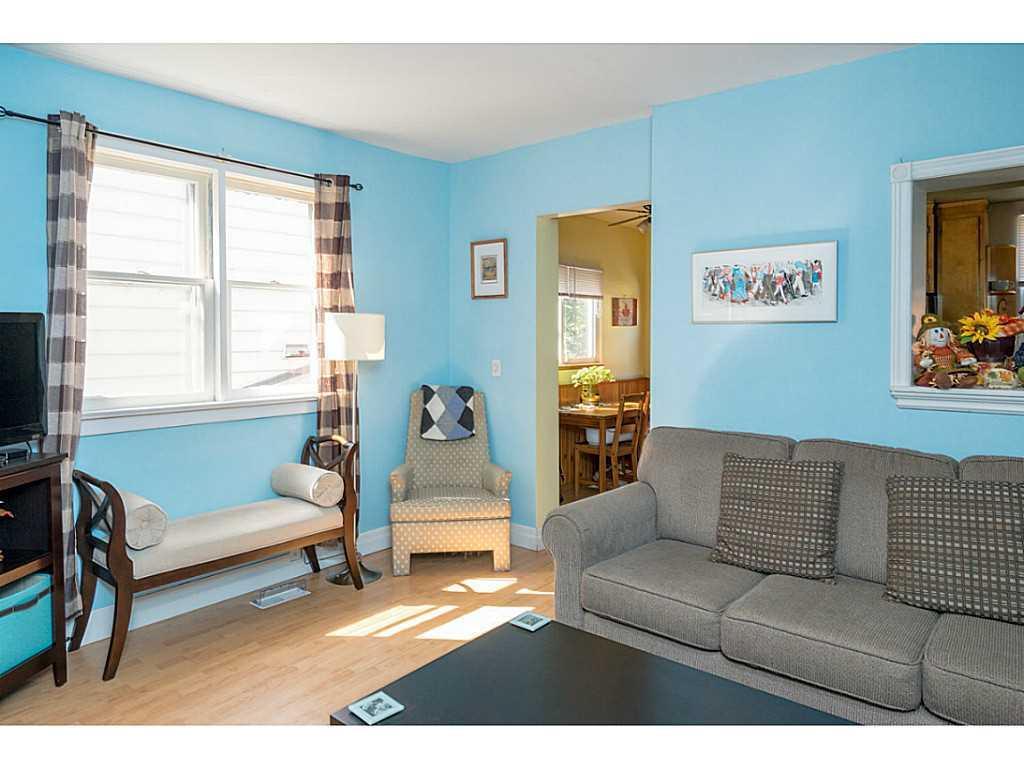 9 Frederick Avenue - Living Room.