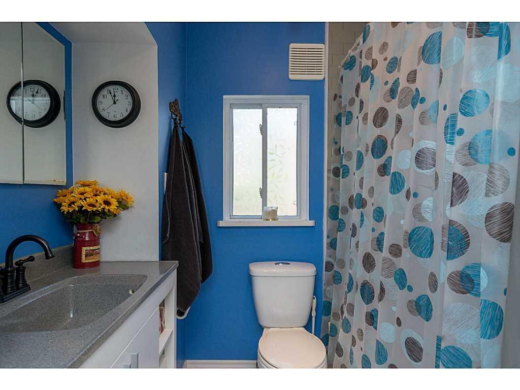 9 Frederick Avenue - Bathroom.