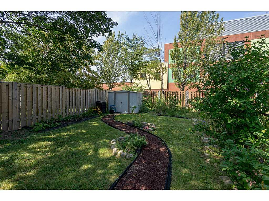 9 Frederick Avenue - Yard/Garden.