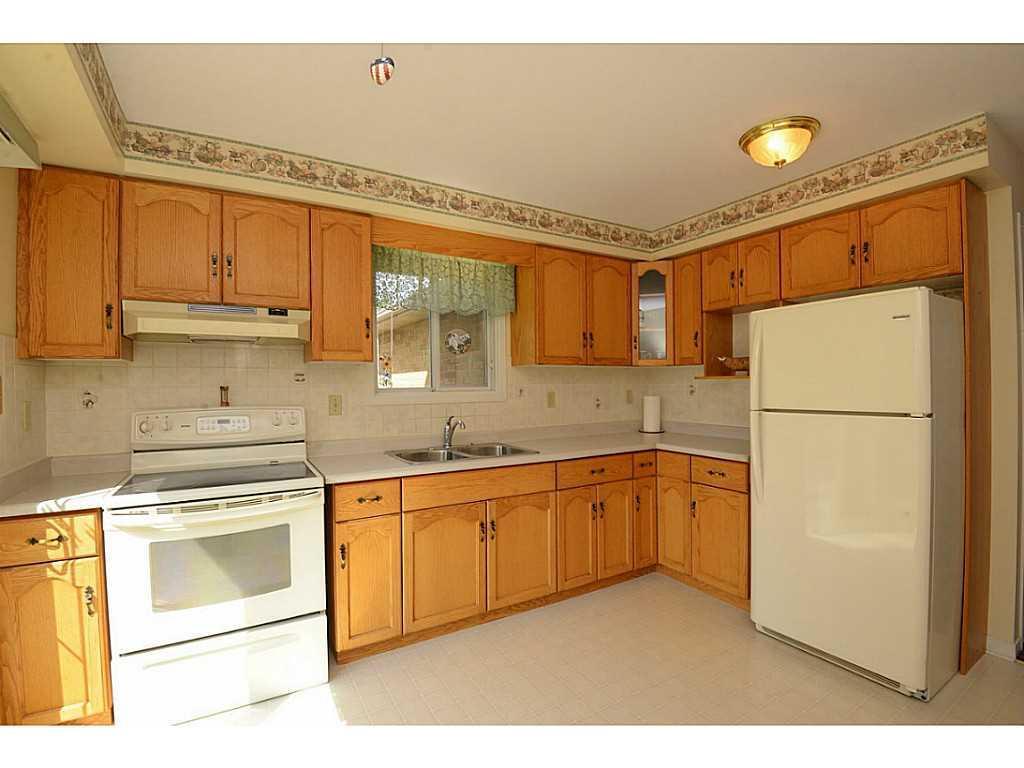 24 Linington Trail - Kitchen.