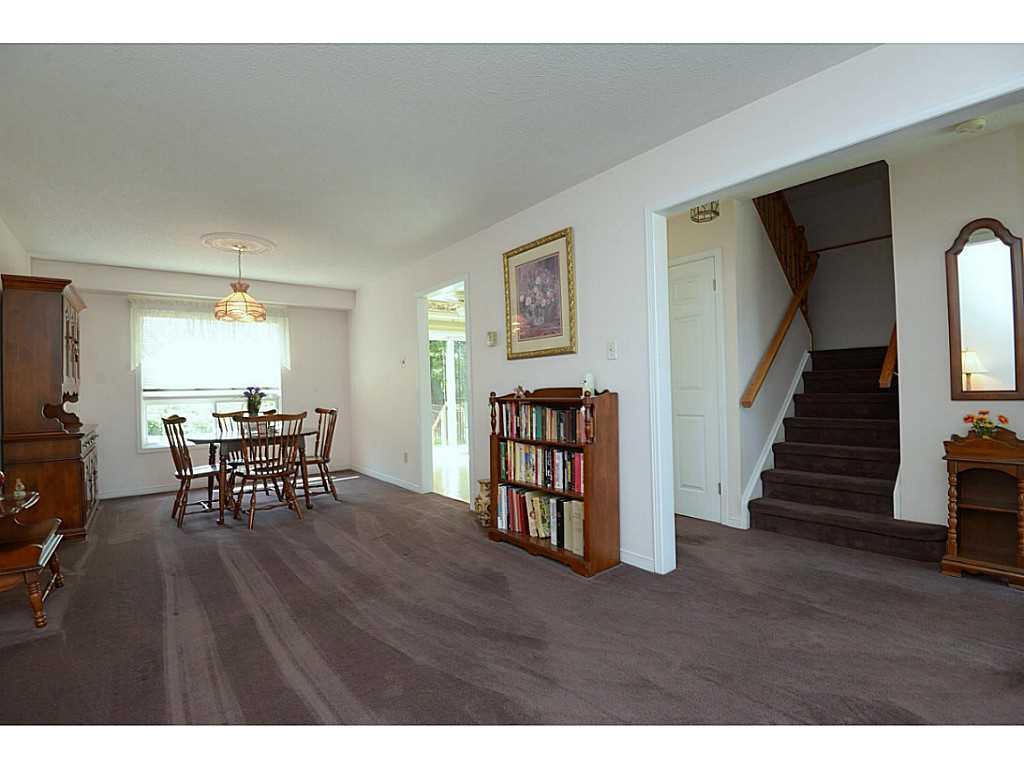 24 Linington Trail - Living Room.