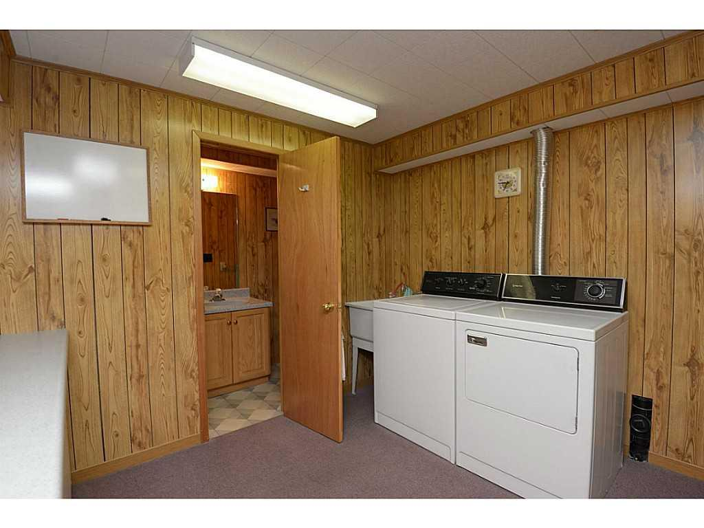 24 Linington Trail - Laundry room. Great sized area with counter for folding. 3pc bath off this area.