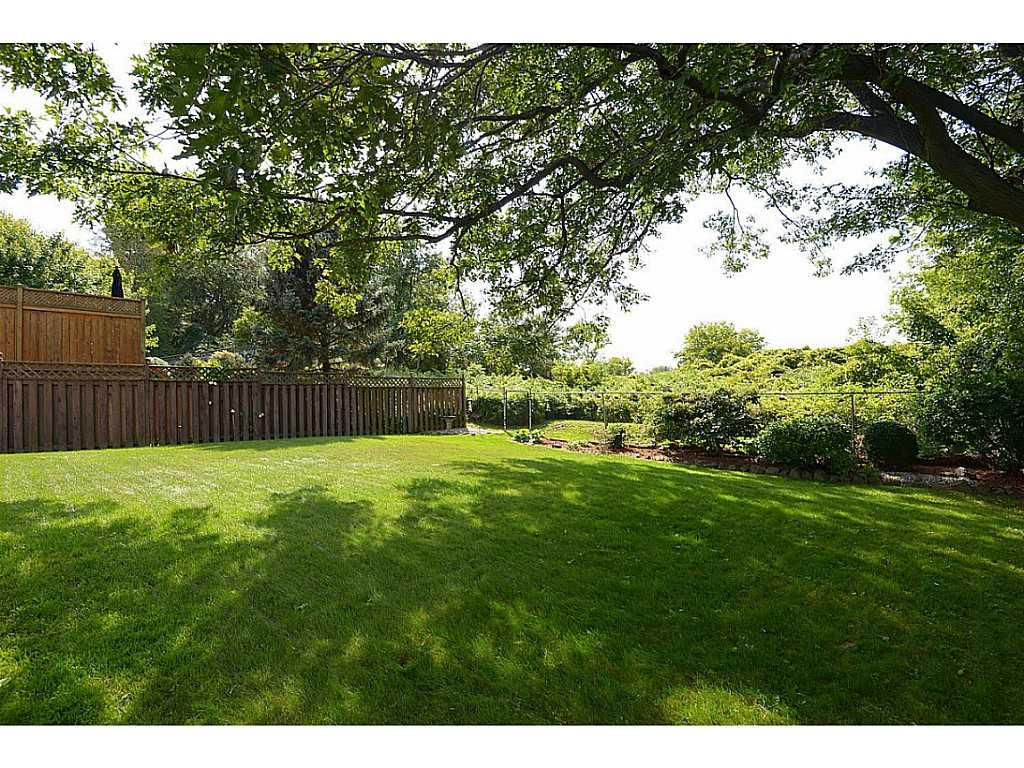 24 Linington Trail - Yard/Garden. Relax , Relax, Relax in this private area.