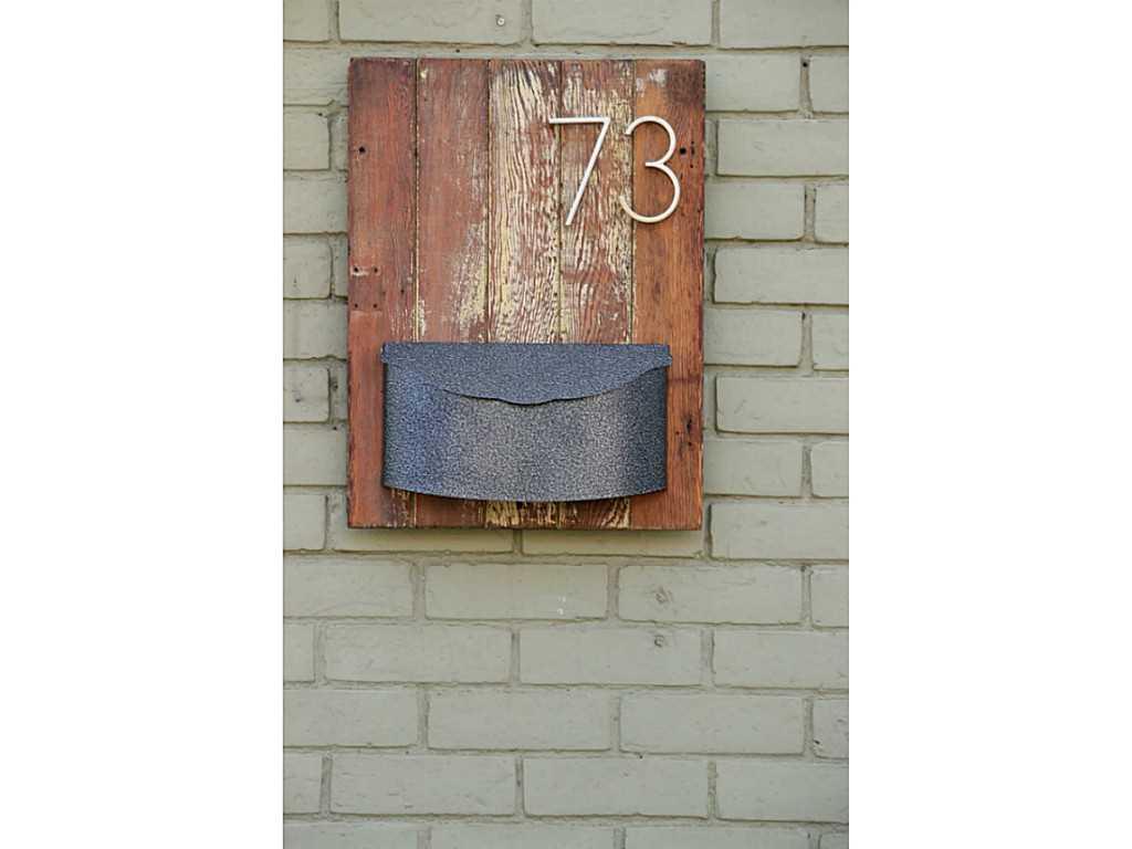 73 Peter Street - Exterior Front.