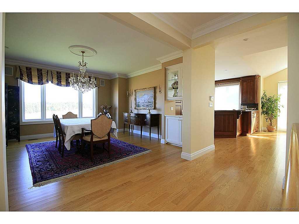 398 #8 Highway - Living Room.