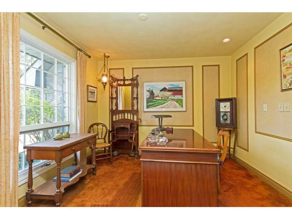 20 Plateau Place - Den/Family/Great Room.