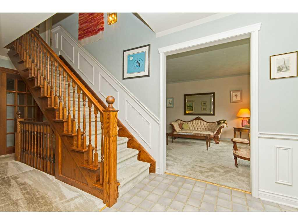 20 Plateau Place - Staircase.