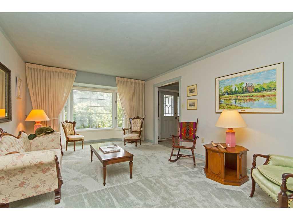 20 Plateau Place - Living Room.