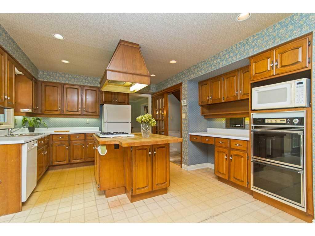 20 Plateau Place - Kitchen.