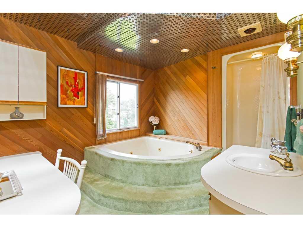 20 Plateau Place - Master Bath/Spa.