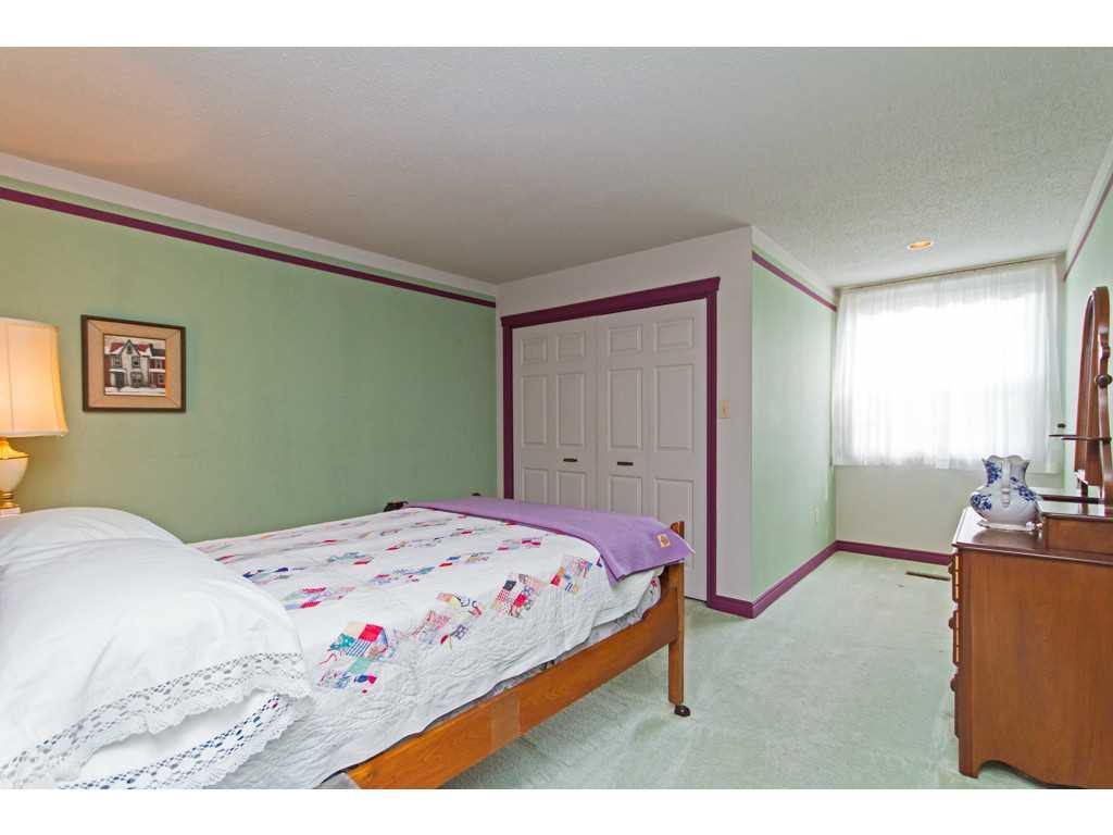 20 Plateau Place - Bedroom.