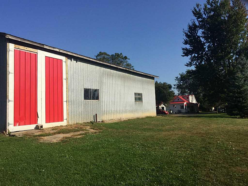 1705 2Nd Conc Road W  - Stable/Barn.