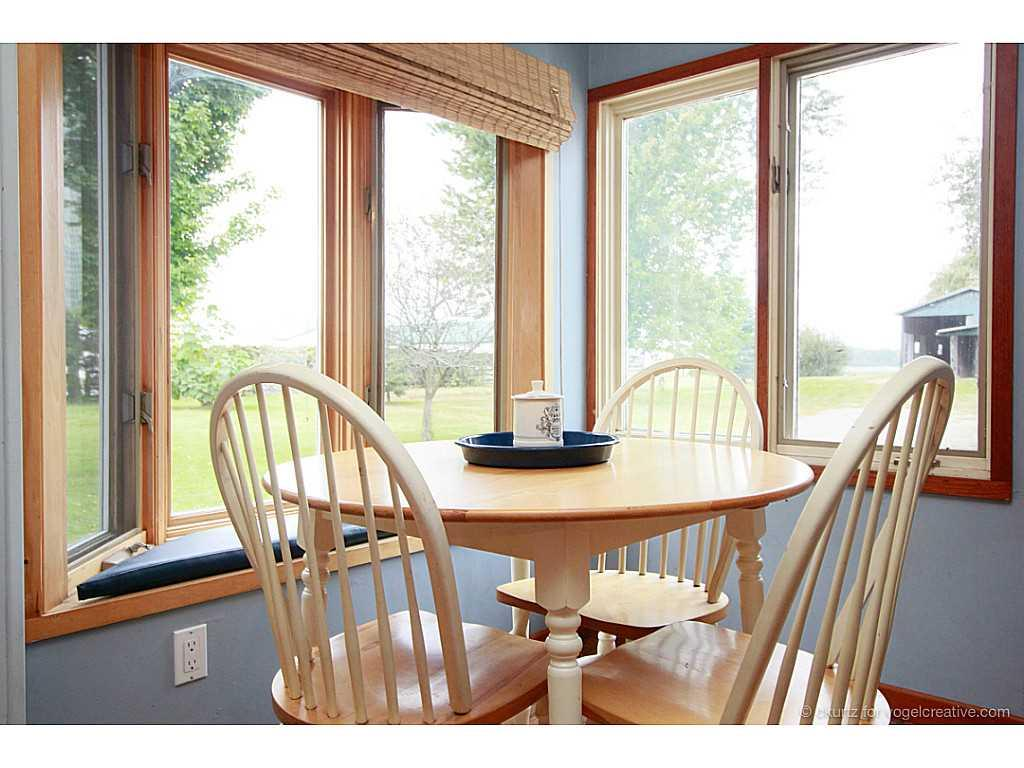 1705 2Nd Conc Road W  - Dinette.