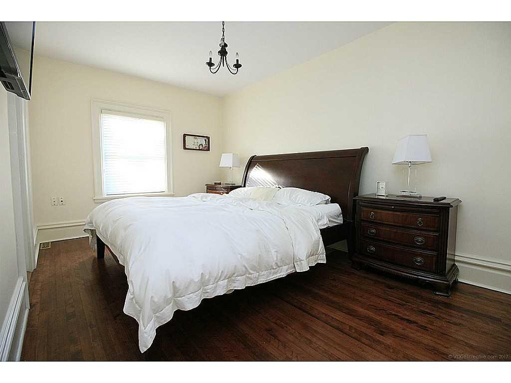 9 Hilton Street - Bedroom.