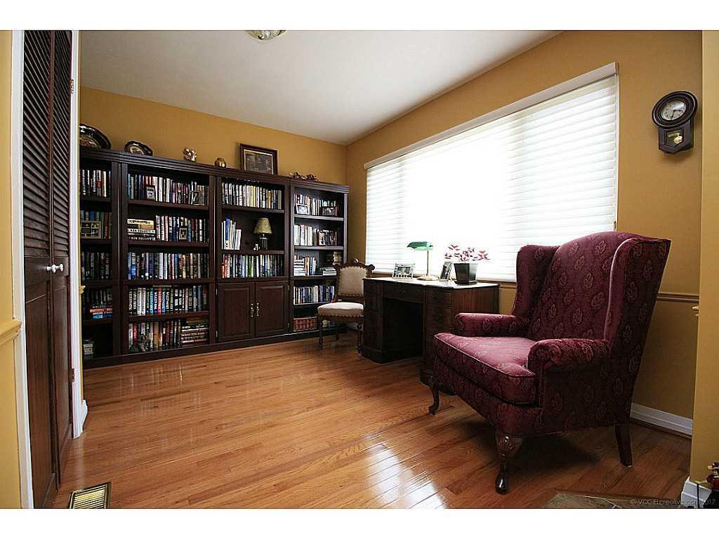 46 Kemp Drive - Junior Office.
