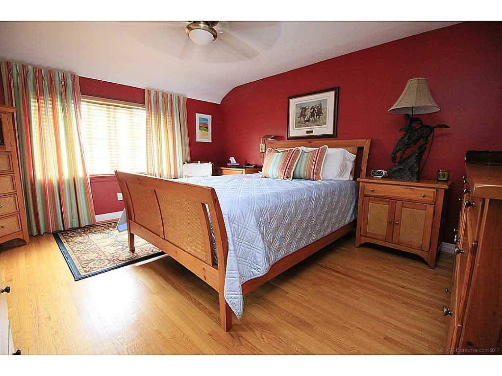 46 Kemp Drive - Master Bedroom.