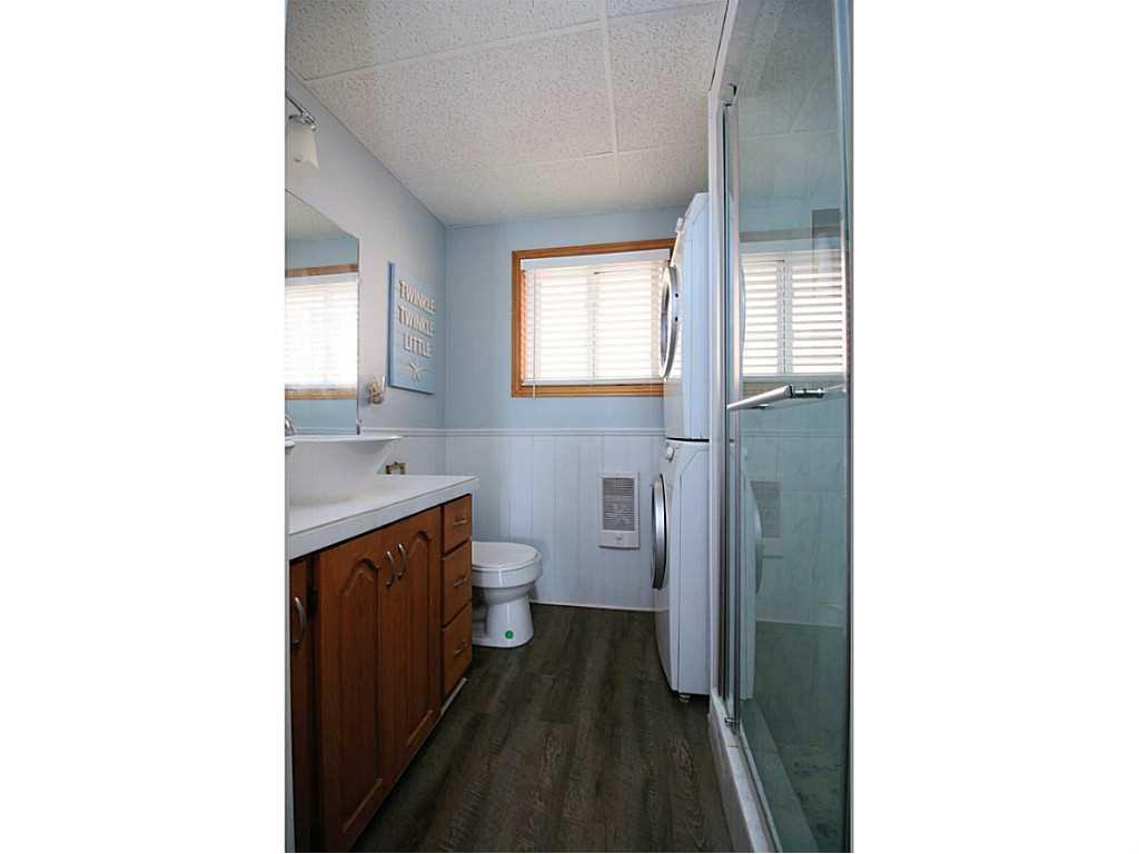 193 Cedar Drive - Bathroom.