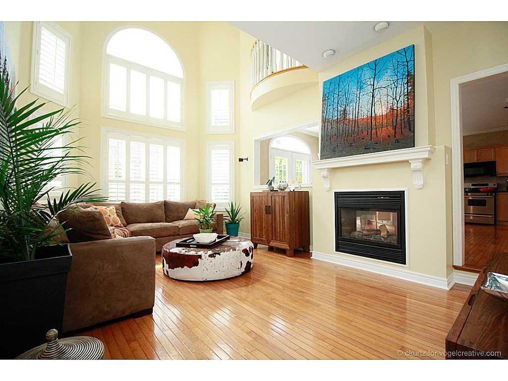 38 Winegarden Trail - Living Room.