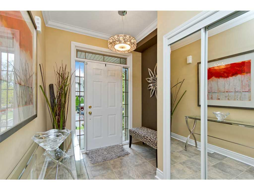 7-71 Sulphur Springs Road - Foyer.