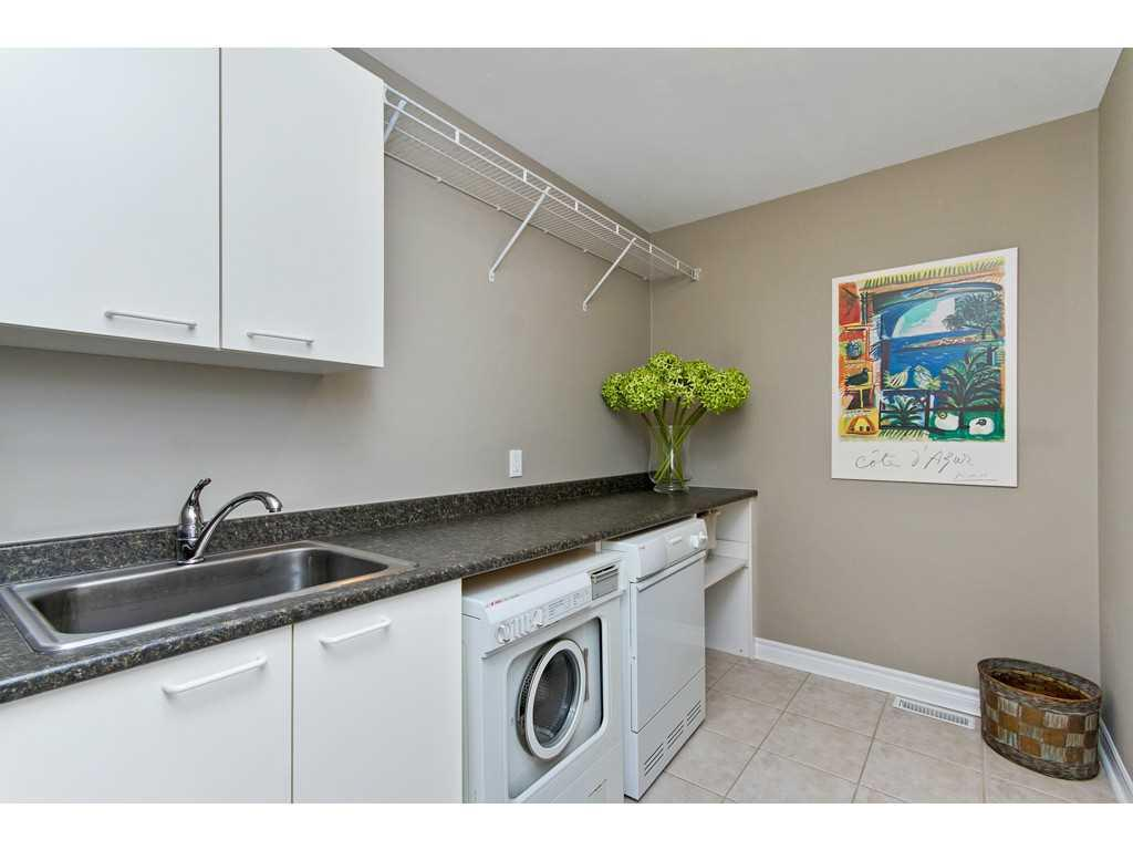 7-71 Sulphur Springs Road - Laundry room.