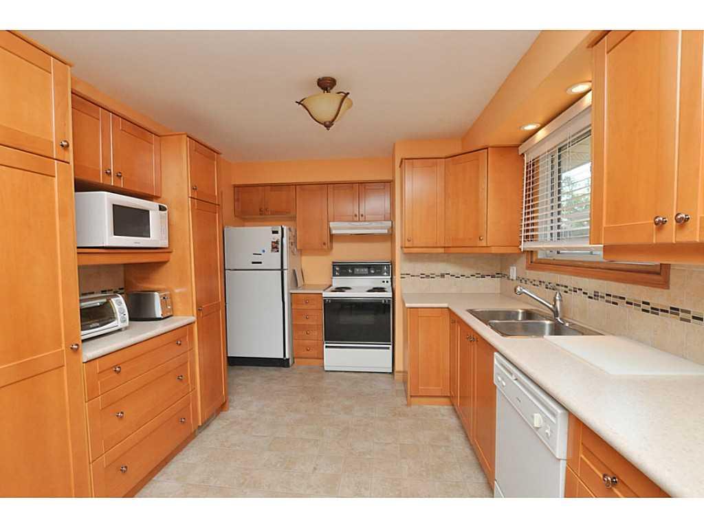 97 Purdy Crescent - Kitchen.