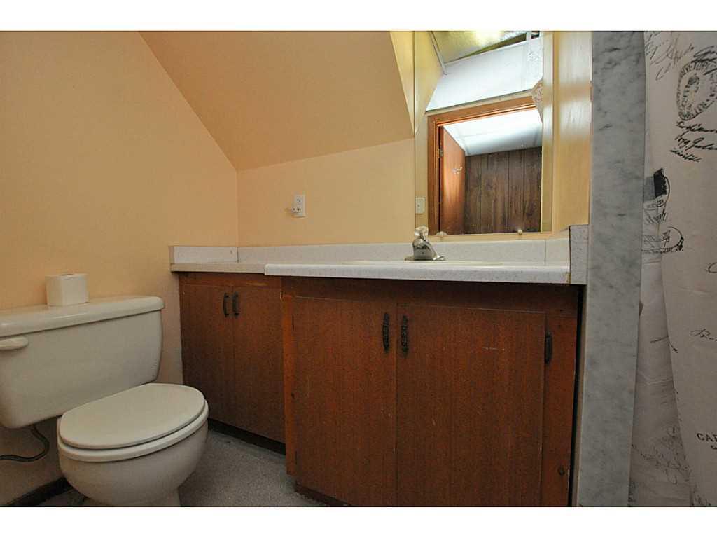 97 Purdy Crescent - Bathroom.