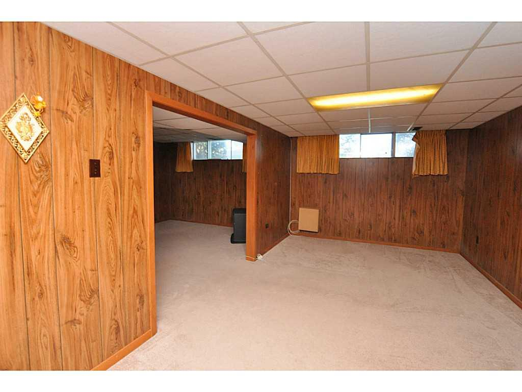 97 Purdy Crescent - Recreation room.