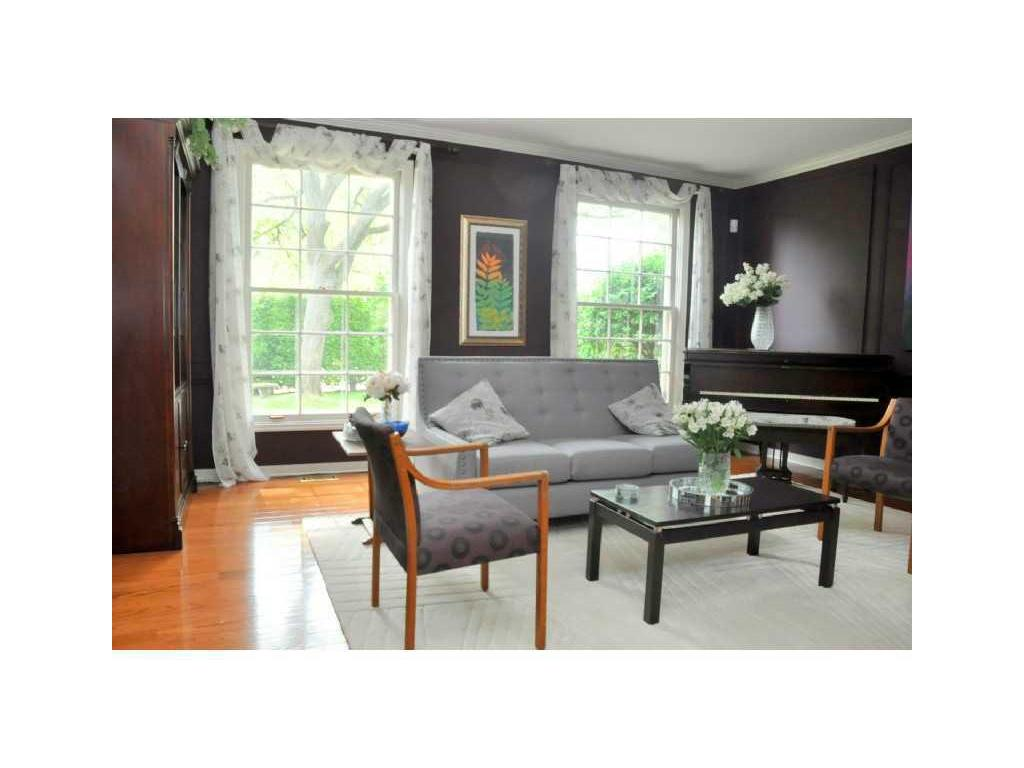69 Auchmar Road - Living Room.