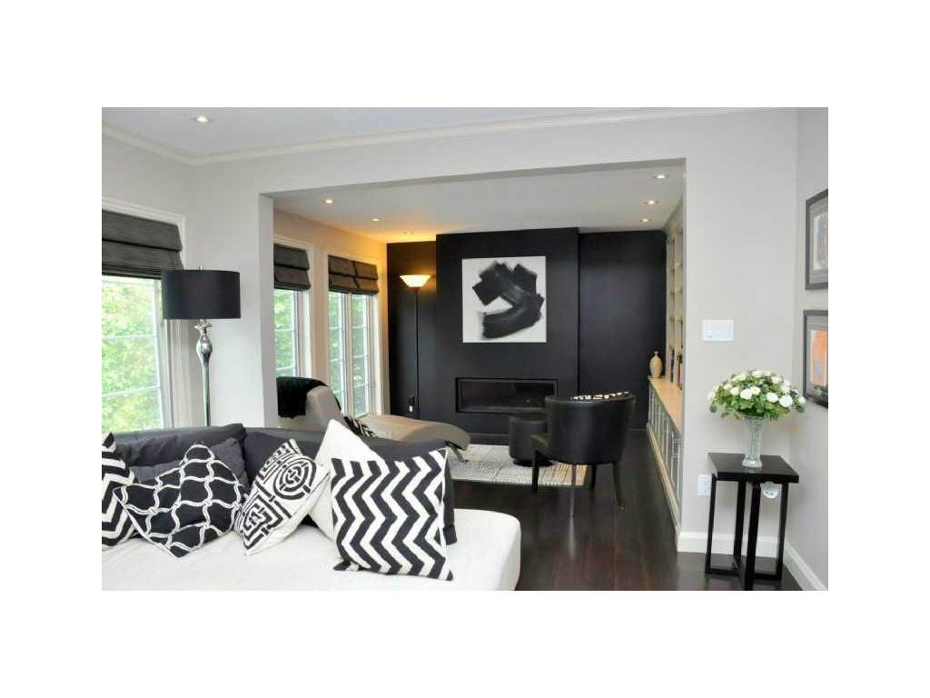 69 Auchmar Road - Den/Family/Great Room.