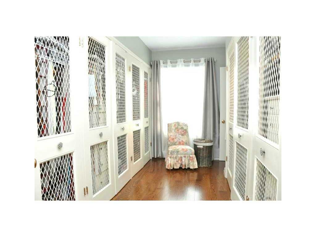 69 Auchmar Road - Master Bedroom. Walk in closet