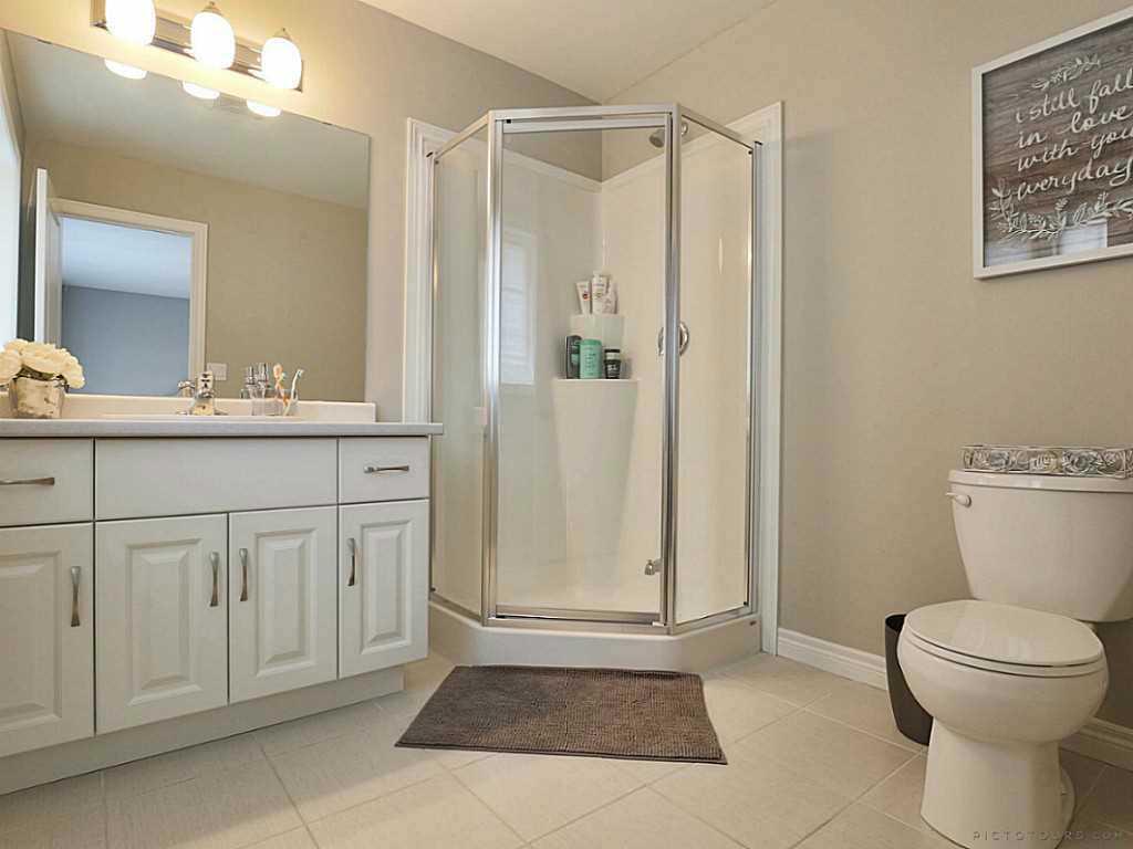112 Cutts Crescent - Bathroom.