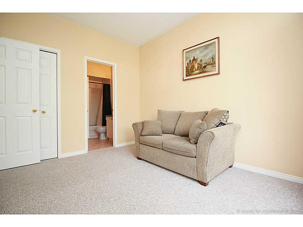 6-10 Davidson Boulevard - Living Room.