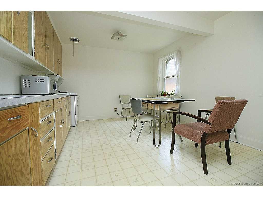 64 Binkley Crescent - Kitchen.