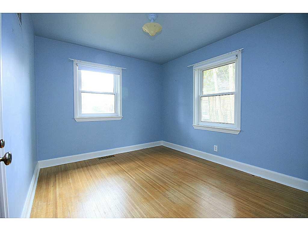 64 Binkley Crescent - Bedroom.