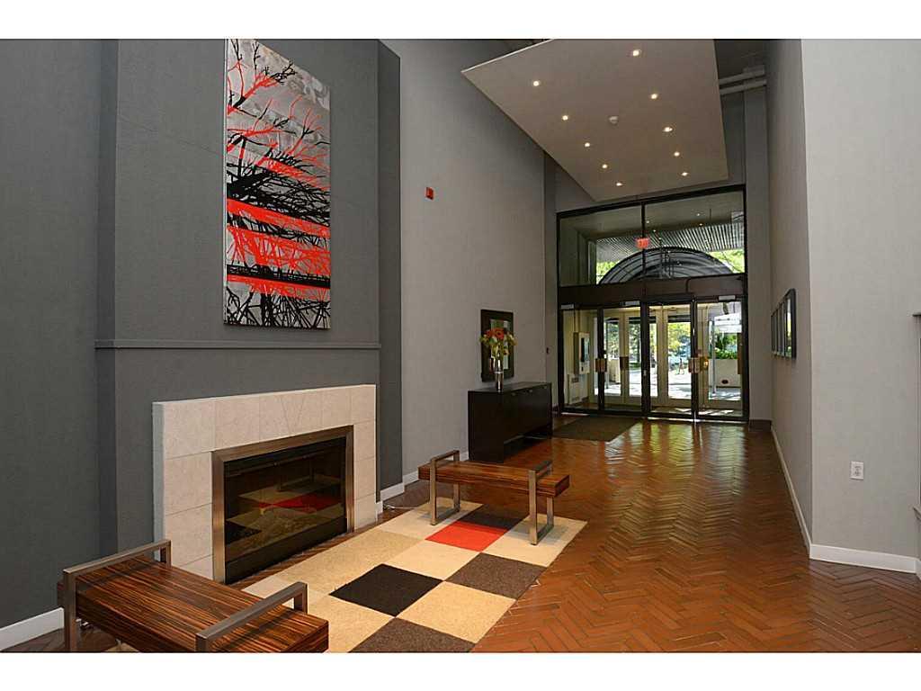 402-66 Bay Street S  - Lobby/Reception.