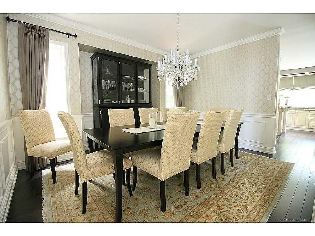 39 Playfair Court - Den/Family/Great Room.