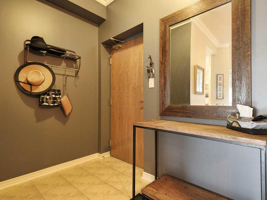 301-4000 Creekside Drive - Den/Family/Great Room.