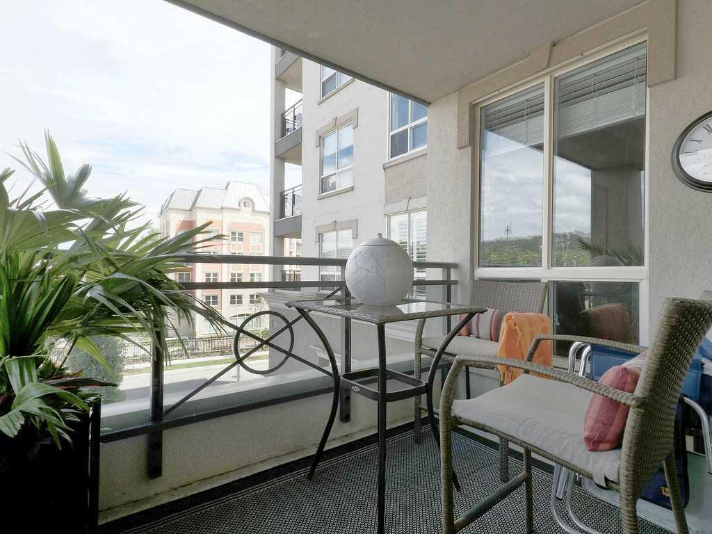 301-4000 Creekside Drive - Bedroom.