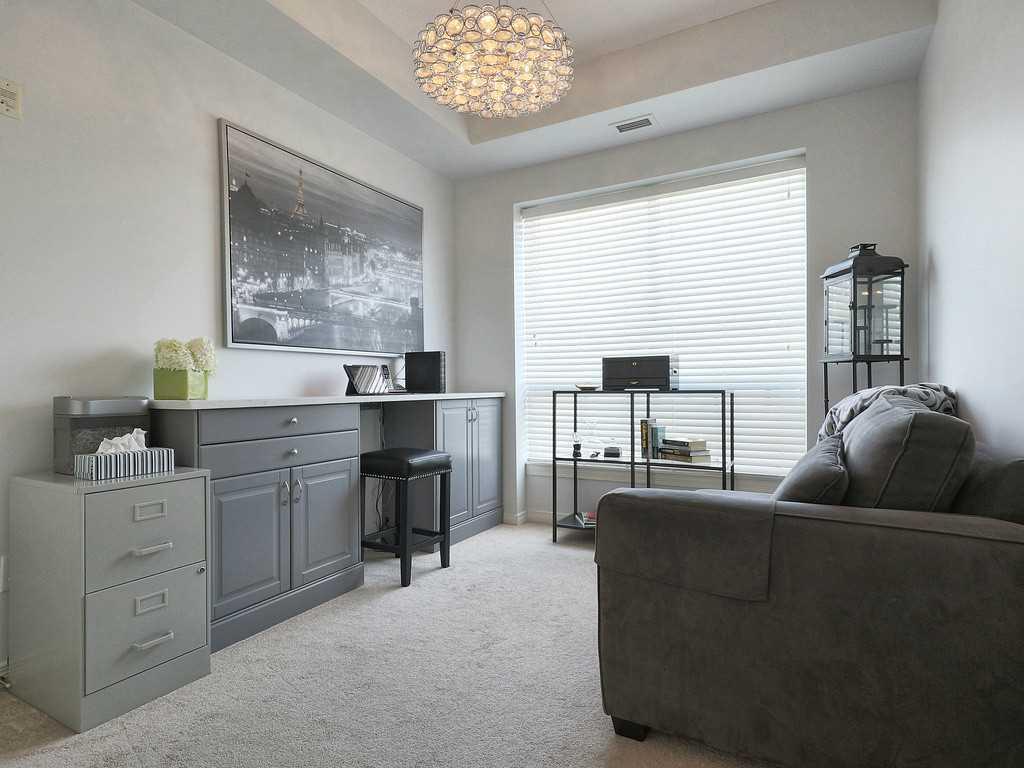 301-4000 Creekside Drive - Master Bedroom.