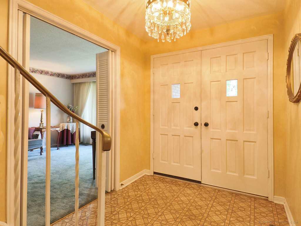 27 Terrace Drive - Living Room.