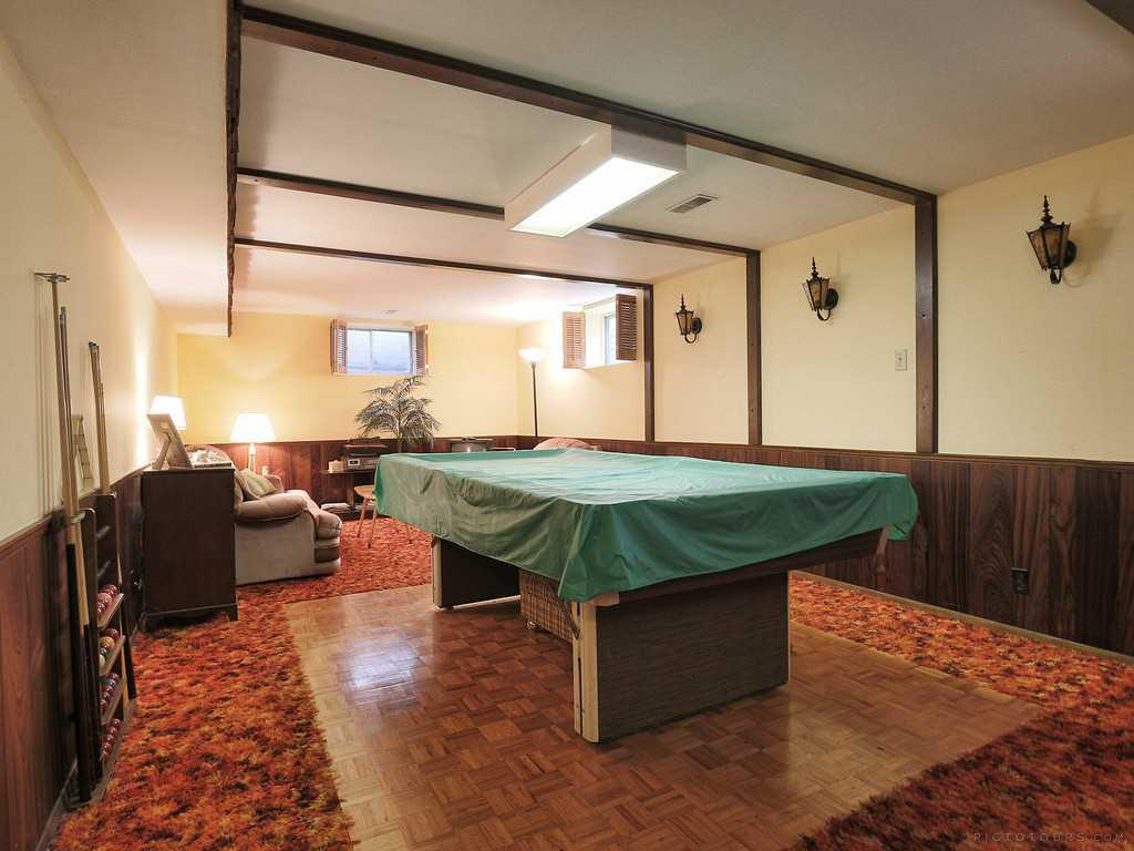 27 Terrace Drive - Den/Family/Great Room.