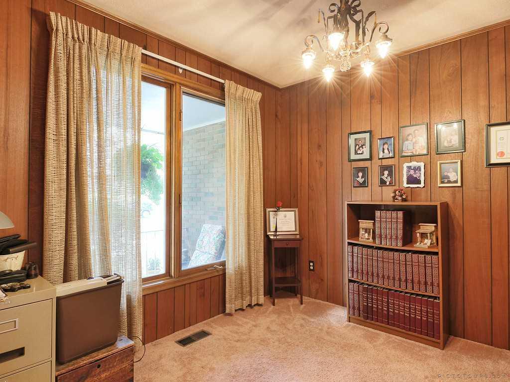 27 Terrace Drive - Master Bedroom.