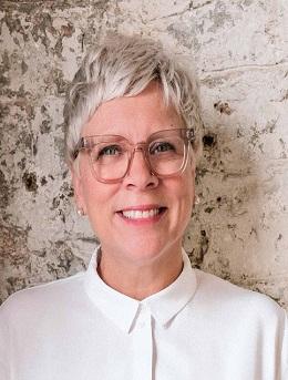 Yolanda Czyzewski-Bragues - Sales Representative