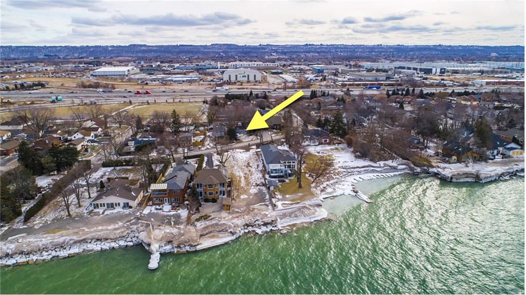 Photo of: MLS# H4046886 44 Lakeview Drive, Stoney Creek