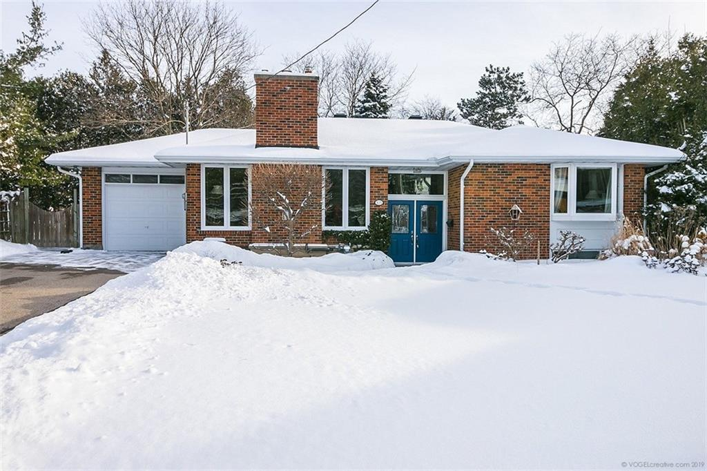 Photo of: MLS# H4047100 105 South Crest , Ancaster