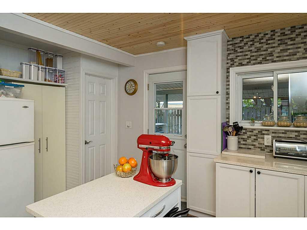 392 Cope Street - Kitchen.